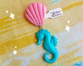 Fakelite SeaHorse & Shell - Brooch - Under the Sea - Sea Life - Ocean Brooch - Ocean Lover - Mermaid - Seahorse Brooch - Glitter Paradise®