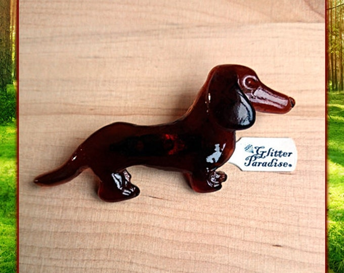 Fakelite Andre the Sausage Dog - Brooch - Dog Brooch - Sausage Dog - Dachshund - Novelty Brooch - Retro - Mid Century - Glitter Paradise®