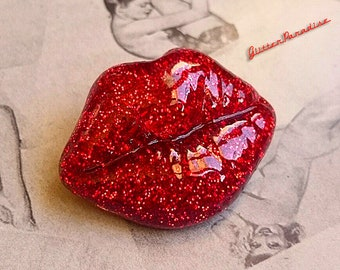 Confetti Lucite Kiss  - Brooch - Glitter Lips - Kiss Me - Red Lips - Mid-Century Modern - 50s - Vintage Inspired - Retro - Glitter Paradise®