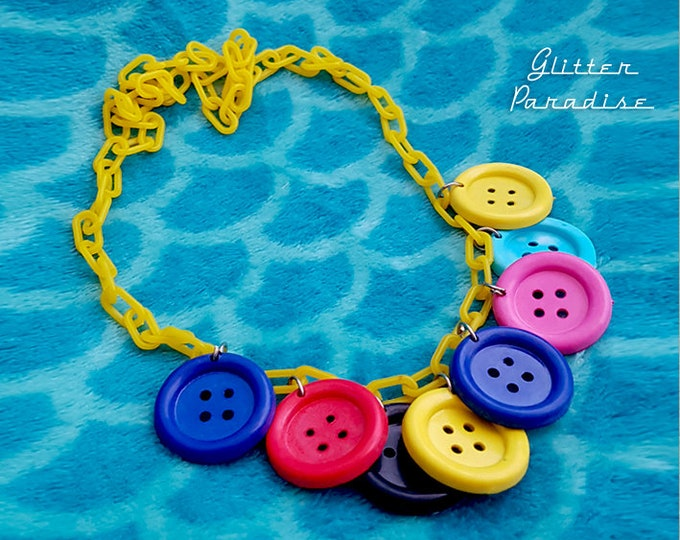 Original Vintage 1950's Plastic Buttons - Necklace - Early Celluloid Necklace - 50s Novelty Charms - Mid Century Modern - Glitter Paradise®