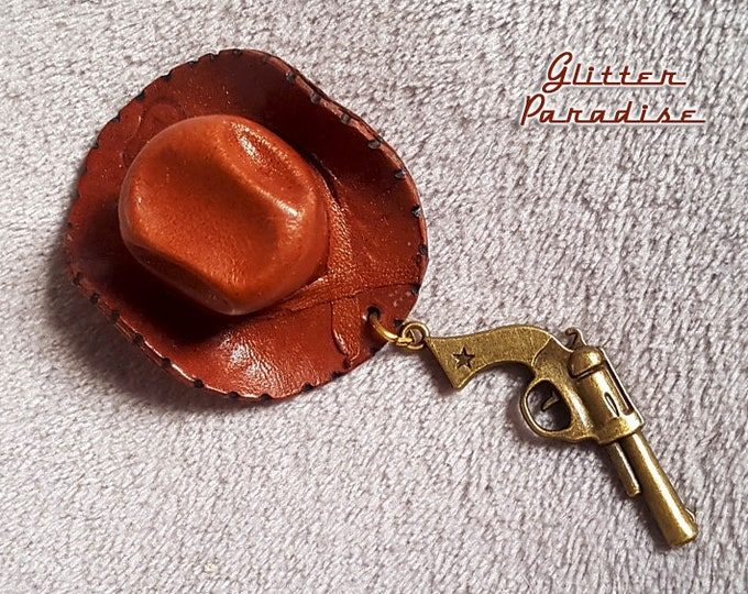 Cowboy Hat & Gun - Brooch - Western Jewelry - Cowboy Accessories - Novelty Brooch - Texas Jewelry - Arizona Dream - Gun - Glitter Paradise®