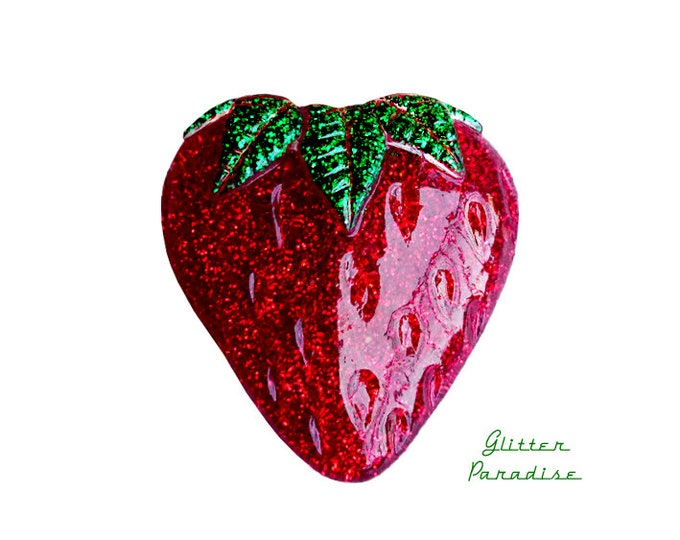 Lucite Giant Strawberry - Brooch - Strawberry Jewelry - Fruity - Strawberry Jewelry - Glitter Strawberry - 50s - 60s - Glitter Paradise®
