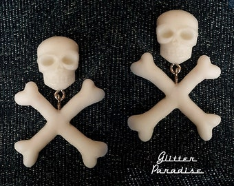 Skull and Crossed Bones - Earrings - Skull - Ghoul - Punk - Rockabilly - Cute & Dead - Crossed Bones - Gothic - Dead - Glitter Paradise®