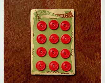 Original Vintage 1950 Red Buttons - Vintage Finds - Red Vintage Buttons - Vintage 1950s Buttons - Retro Fashion - Vintage Fashion - Paris