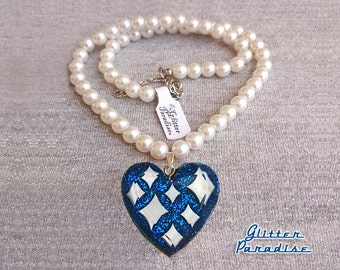 Lucite Sparkles Heart Blue & White Pearls - Necklace - Confetti Lucite - Retro - Mid-Century Modern - Heart Necklace - Glitter Paradise®