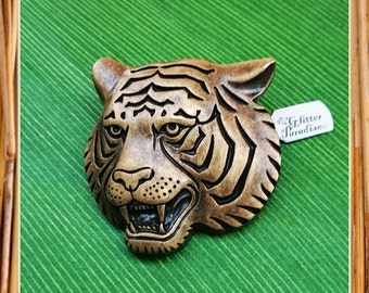 Carved Tiger Bronze Effect - Brooch - Tiger Brooch - Animal Brooch - Feline - Panthera tigris - Wild - India - Malaysia - Glitter Paradise®