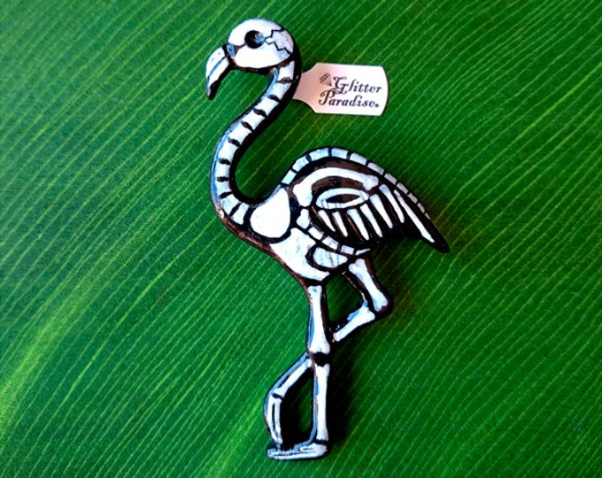 Dead Flamingo - Brooch - Dead Flamingo - Skeleton Flamingo - Gothic - Psychobilly - Day of the dead - Bones - Calavera - Glitter Paradise®