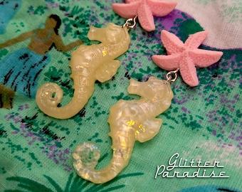 Pearl Seahorse & Starfish - Earrings - Under the Sea - Ocean Lover - Mermaid Jewelry - Beach Jewelry - Seahorse Earrings - Glitter Paradise®
