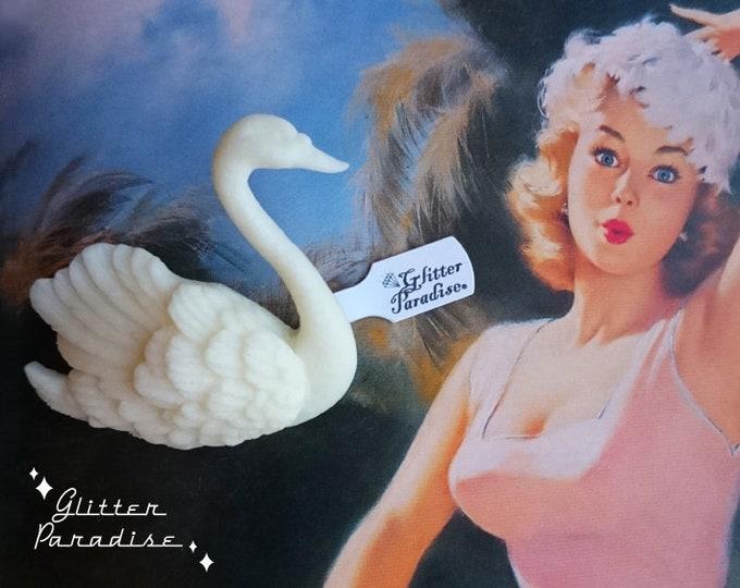 White Swan - Brooch - Swan Brooch - Black Swan Brooch - Swan Jewelry - Fakelite - Retro Brooch - Novelty Brooch - Glitter Paradise®
