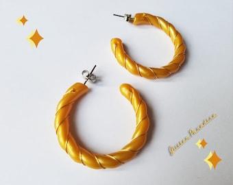 Original Vintage 1960's Gold Spiral Hoops - Earrings - Mid-Century Modern - Celluloid Twist Hoop Earrings - 60's Celluloid Glitter Paradise®