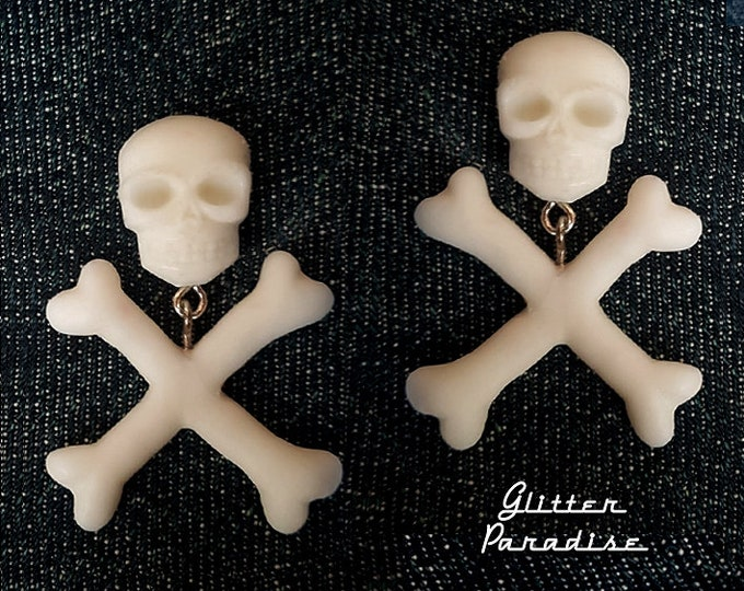 Skull and Crossed Bones - Earrings - Skull - Ghoul - Punk - Rockabilly - Cute & Dead - Crossed Bones - Gothic - Dead - Glitter Paradise®