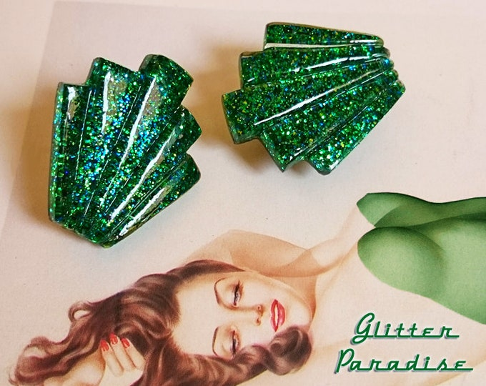 Lucite Giant Deco Shell Emerald - Earrings - Glitter Earrings - Lucite - Retro Fashion - 50s - 60 - Mid-Century - Pinup - Glitter Paradise®