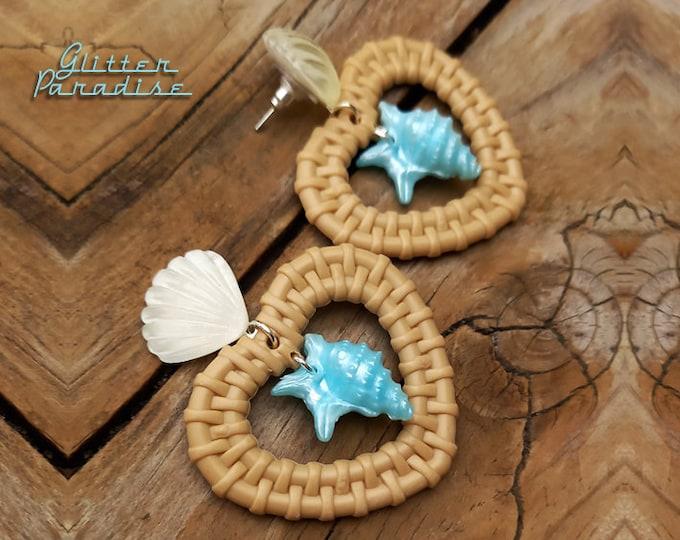 Rattan Love Seashell - Earrings - Rattan Raffia Jewelry - Heart Earrings - Sea Summer Earrings - 1950s Seashell Earrings - Glitter Paradise®