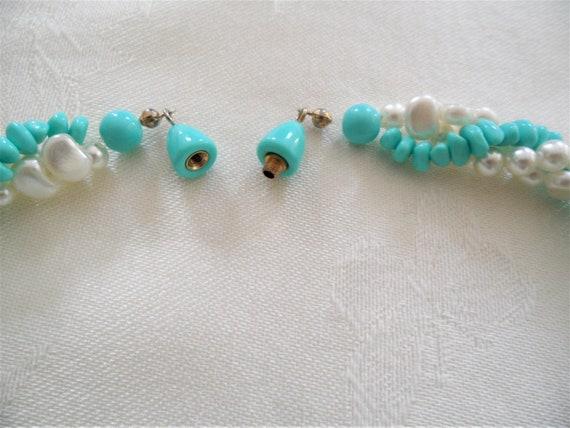 Elegant Faux PearTurquoise Vintage  Necklace