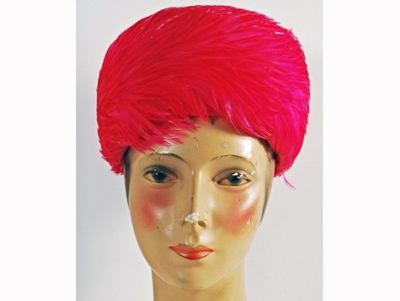 Vintage 1960s Hot Pink Feathered Womens Pillbox Ha