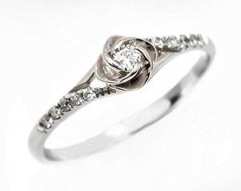 Flower Engagement Ring, Vintage Engagement Ring, 14K 18K White Gold Diamond Engagement Ring, Unique Engagement Ring for Women.