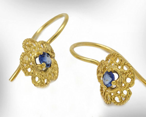 Earrings gold plated Lace Blossoms water blue sapphire blue