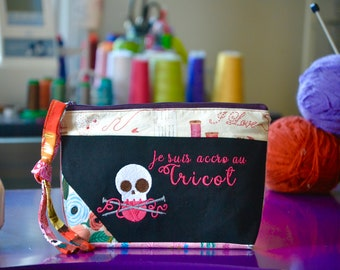 """Pencil case, embroidery on black jeans """"I am addicted to knitting"""" on the front, patchwork, flower pattern fabric, sewing, addict knitter"""