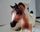 Vintage Breyer Classic HORSE Breyer Horse Tri-color Paint running with Pretty on sweet face with expressive eyes and blaze