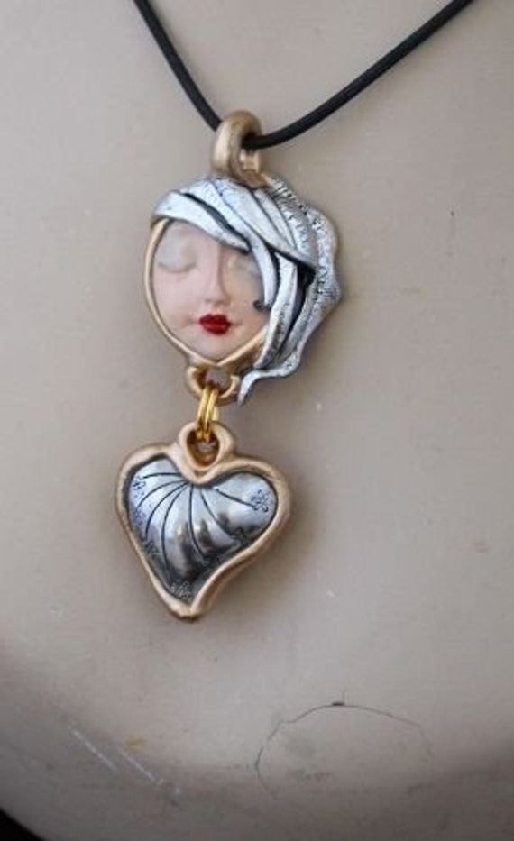 Pretty ARTISTIC Heart Great Gift Art to wear handmade jewelry serenity pretty face LOVE Pendant Necklace Speaks of LOVE