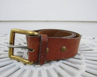 Vintage Ralph Lauren porté épais Western en cuir ceinture avec boucle en  laiton 30 petits 08db9eebe51c