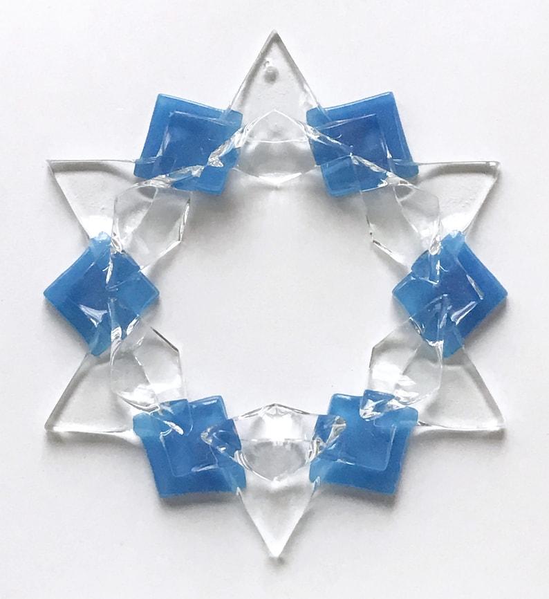 Fused Glass Snowflake Ornament / Suncatcher: blue/clear  image 1