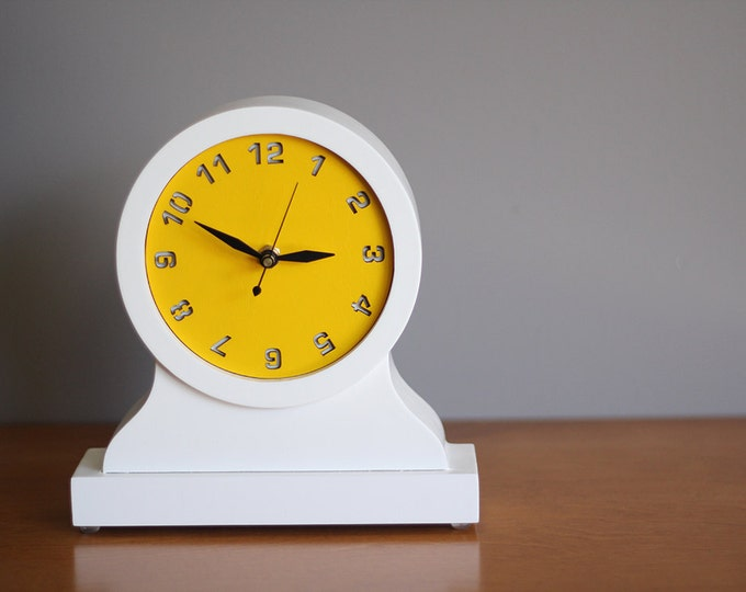 modern mantel clock - desktop clock