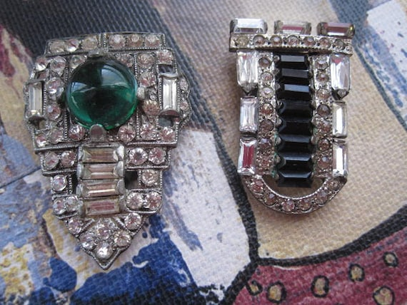 Lot of 2 Art Deco Dress Clips Green Black and Clea