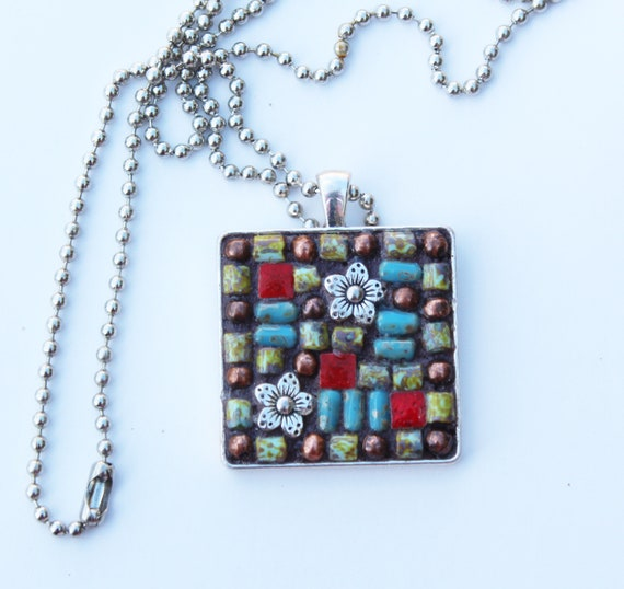 Mosaic Flower Pendant Necklace