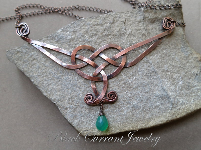 Celtic Necklace copper with green onyx