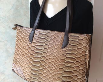 dac054a3948f Vintage large brown tones croc embossed leather tote
