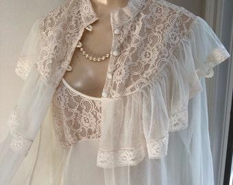 ddd6f4d8e9 Vintage sheer ivory lace ruffles peignoir set