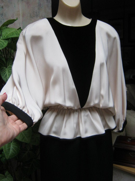 Vintage 70s black and ivory dolman sleeve evening… - image 1