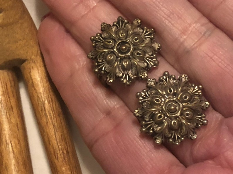 silver filigree textured silvery clip earrings Vintage ornate detail silvery made France clip earrings silverplate  bronze filigree clips