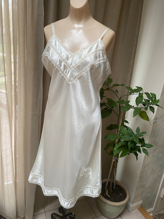 Batise Lacey Full Slip in Ivory with Appliques