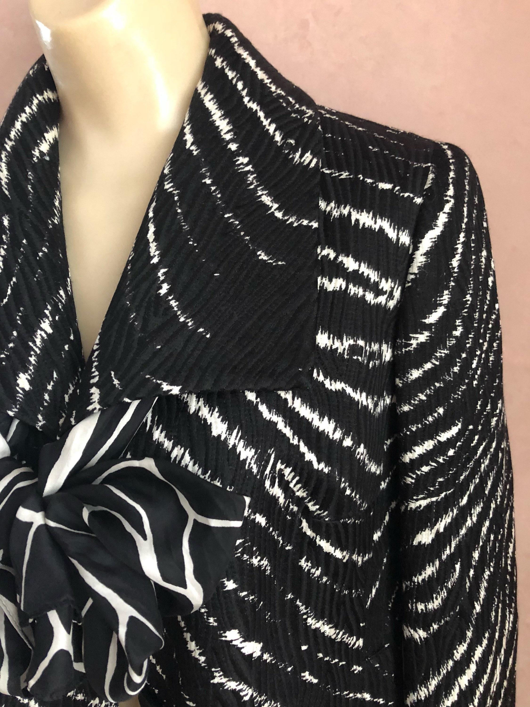 aec5e97f9e953 Vintage Anne Klein black white spring jacket sz S Anne Klein
