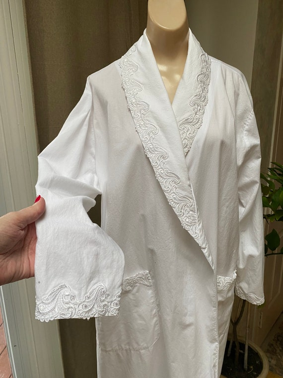 Vintage white cotton long wrap tie robe, Cabernet