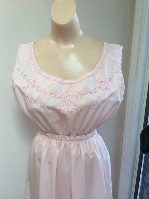 Vintage pale pink silk feel romantic night gown, w