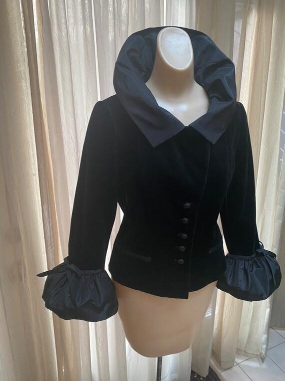 Vintage black velvet Teri Jon fitted ruffled jacke