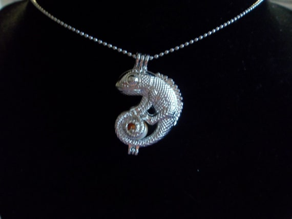silver plated cage pendant for pearls