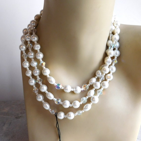 JAPAN Multi-Strand White Luster Faux Pearls /& Clear Orange Spacer Lucite Beads Elegant Silver Tone Leaves Leaf Design Clasp Layered Necklace