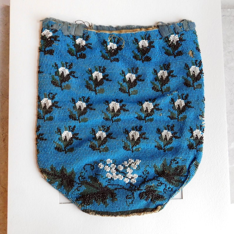 Antiques Antique Tan Crochet Knit Cobalt Blue Bead Satin Lining Drawstring Purse