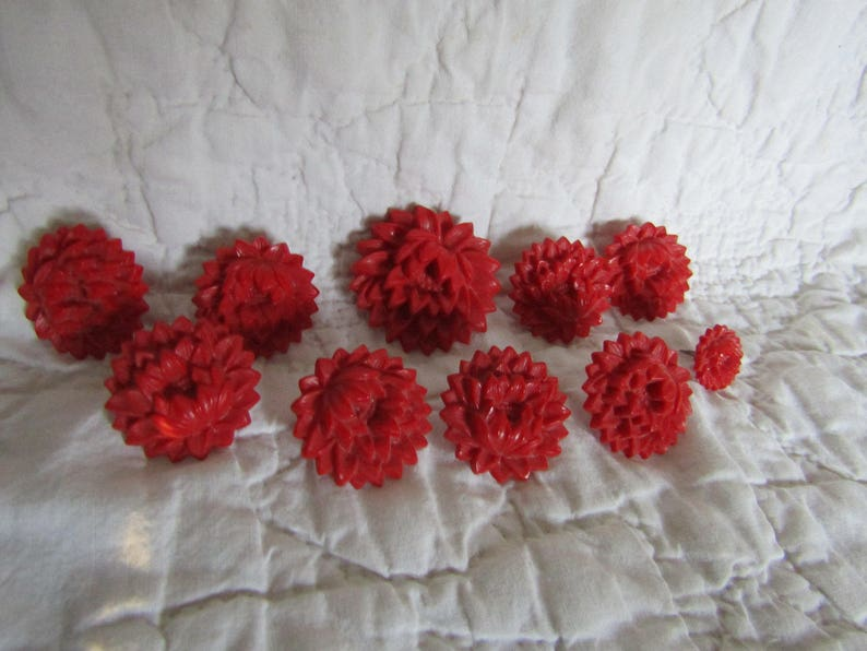 10 Vintage Drapery or Curtain Flower Pins Red in 3 sizes
