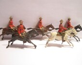 Vintage Mid Century 5 pc Lot of Britains Ltd Canadian Mounties Lead Toy Soldiers