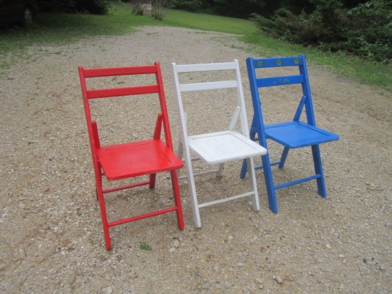 Remarkable Antique Sturdy Lot Of 3 Of Red White And Blue Painted Wood Folding Chairs Short Links Chair Design For Home Short Linksinfo