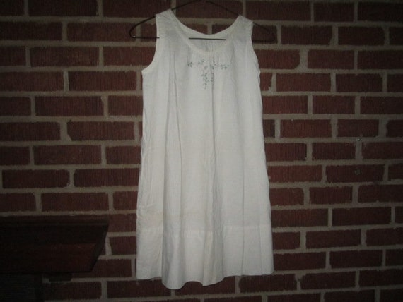 2be3f89cb Vintage 1920s Sturdy Girls  Embroidered Cotton Nightgown