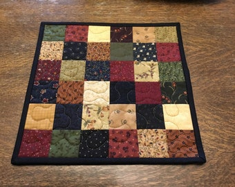 Scrappy Quilt/ Small Quilt/ Candle mat/ Patchwork/ Primitive quilt/ Handmade Tabletopper / Tablerunner