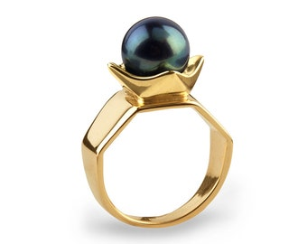 THE QUEEN Black Pearl Ring, Gold Pearl Engagement Ring, 14k Gold Pearl Ring, Large Pearl Statement Ring, Unique Engagement Ring