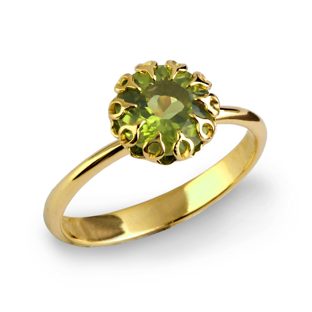 crown 14k gold peridot ring unique peridot engagement ring. Black Bedroom Furniture Sets. Home Design Ideas