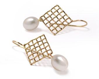 MESH 14K Gold Pearl Earrings, Gold Drop Pearl Earrings, Bridal Pearl Earrings, White Freshwater Pearl Dangle Earrings, Bridal Jewelry